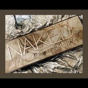 Urban Decay Eyeshadow Pallette Smokey NAKED